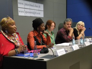 Lucy Mashua, Sister Fa, Simone Schwarz, Martin Umbach, Ines Laufer (v.l.n.r.)